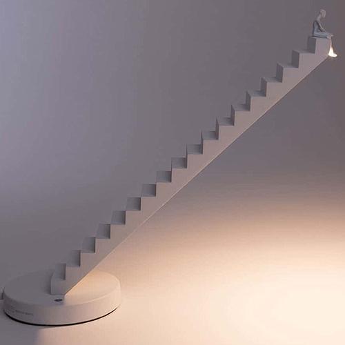 LAMPE A POSER DESIGN ESCALIER SELETTI
